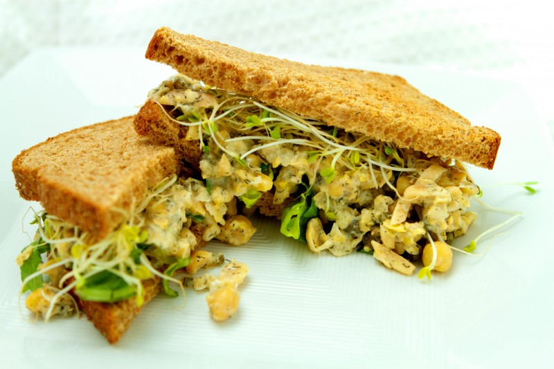 Chickpea Salad with Capers and Olives