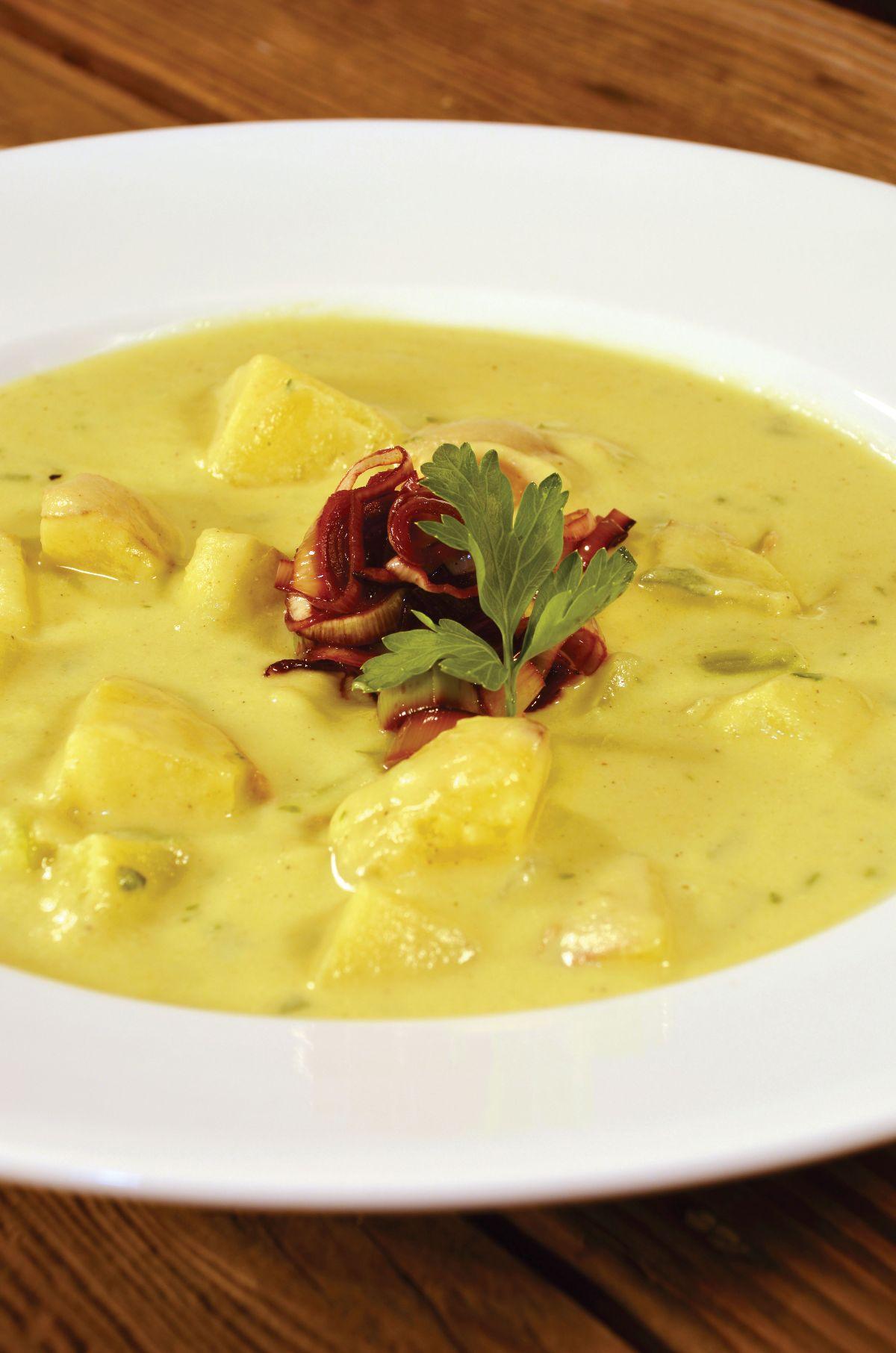 potato-leek-soup-with-drunken-leeks